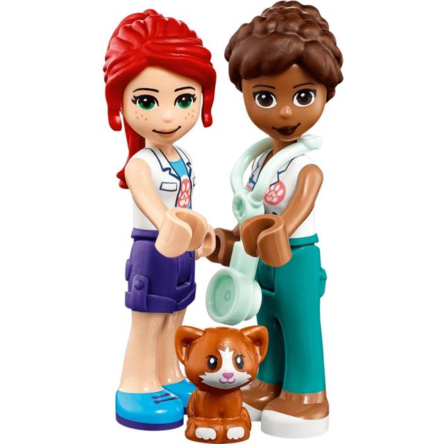 Lego Friends Veterinarska klinika v Heartlake Cityju - 41446
